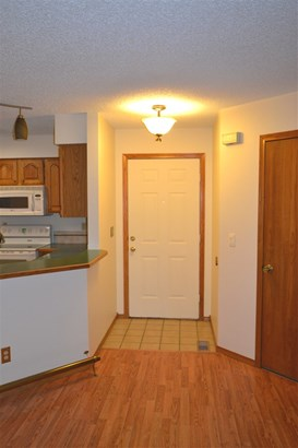 Comm Hsing/Condo/TH/Co-Op, Ranch - Derby, KS (photo 3)