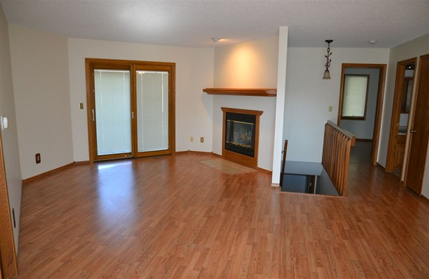 Comm Hsing/Condo/TH/Co-Op, Ranch - Derby, KS (photo 4)