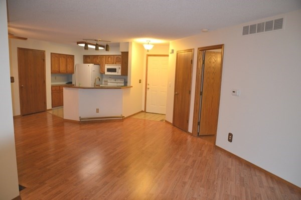 Comm Hsing/Condo/TH/Co-Op, Ranch - Derby, KS (photo 5)