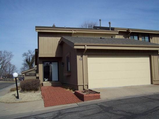 Comm Hsing/Condo/TH/Co-Op, Traditional - Wichita, KS (photo 1)
