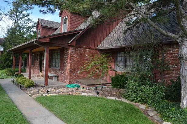 Single Family OnSite Blt, Traditional - Wichita, KS (photo 2)