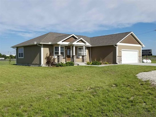 Single Family OnSite Blt, Modular-Perm Foundation,Ranch - Winfield, KS (photo 2)
