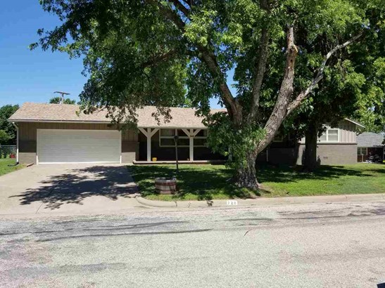 Single Family OnSite Blt, Ranch - Marion, KS (photo 2)