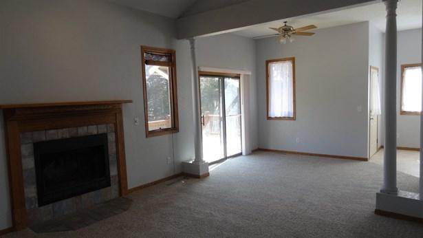 Single Family OnSite Blt, Ranch - Newton, KS (photo 5)