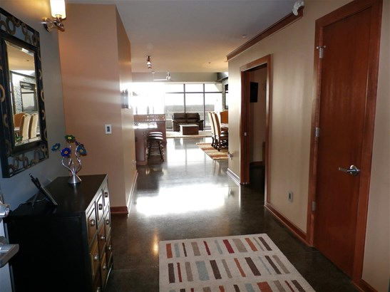 Comm Hsing/Condo/TH/Co-Op, Other/See Remarks - Wichita, KS (photo 3)