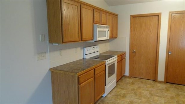 Twin/Duplex, Other - Newton, KS (photo 4)