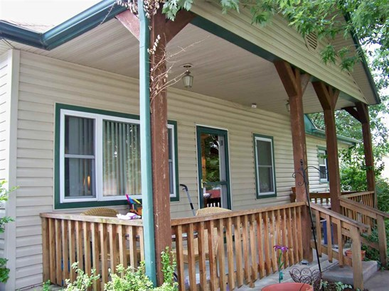 Single Family OnSite Blt, Traditional - Benton, KS (photo 4)