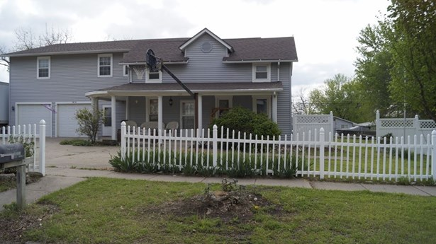 Single Family OnSite Blt, Traditional - Winfield, KS (photo 2)