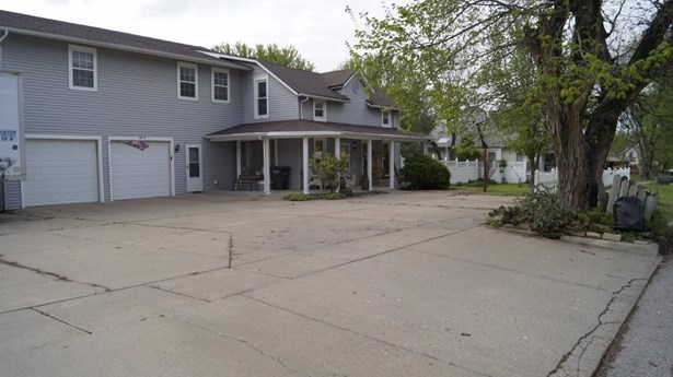 Single Family OnSite Blt, Traditional - Winfield, KS (photo 3)