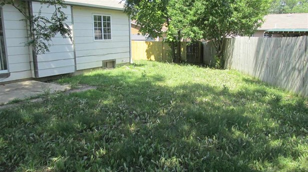 Single Family OnSite Blt, Traditional - Park City, KS (photo 3)