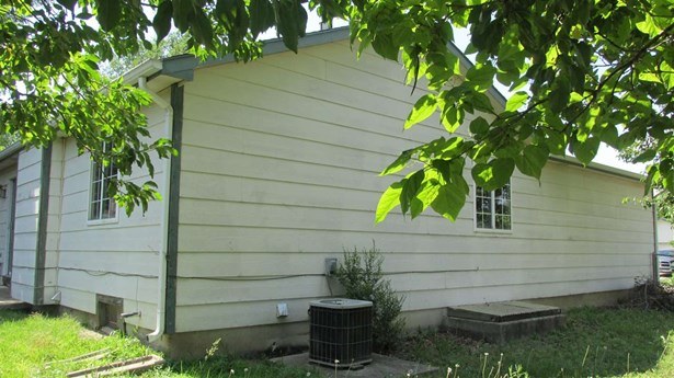 Single Family OnSite Blt, Traditional - Park City, KS (photo 4)