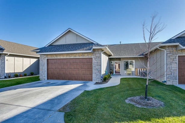 Comm Hsing/Condo/TH/Co-Op, Other/See Remarks - Derby, KS (photo 1)