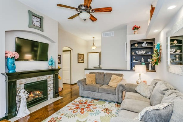 Comm Hsing/Condo/TH/Co-Op, Other/See Remarks - Derby, KS (photo 4)
