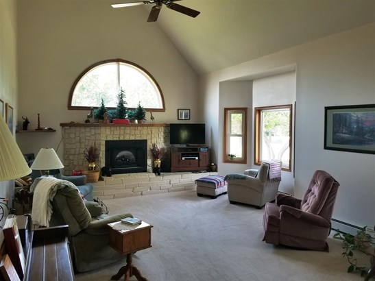 Contemporary,Other/See Remarks, Single Family OnSite Blt - Hesston, KS (photo 3)