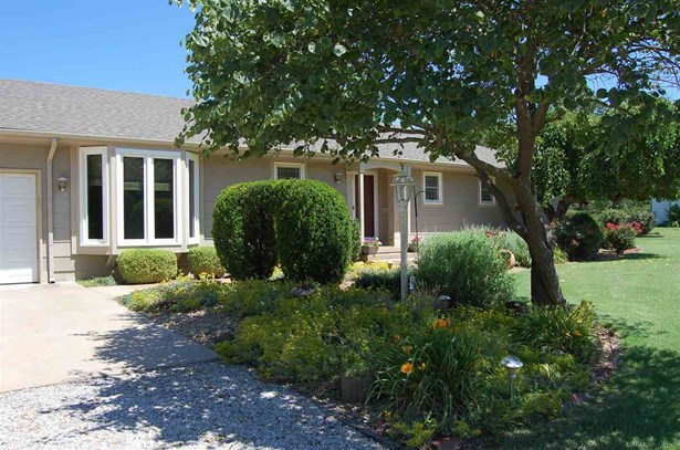 Single Family OnSite Blt, Ranch - Goddard, KS (photo 5)