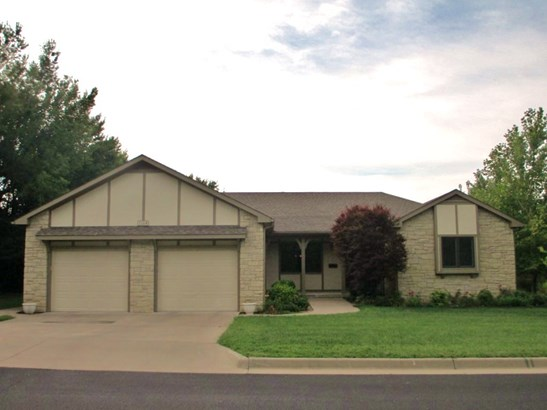 Traditional,Other/See Remarks, Patio/Garden Home - Winfield, KS (photo 1)