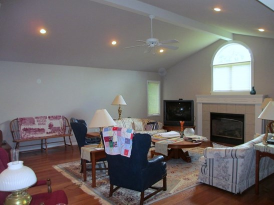 Traditional,Other/See Remarks, Patio/Garden Home - Winfield, KS (photo 2)