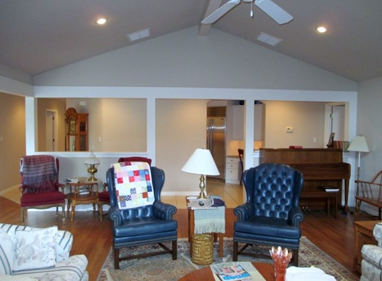 Traditional,Other/See Remarks, Patio/Garden Home - Winfield, KS (photo 4)