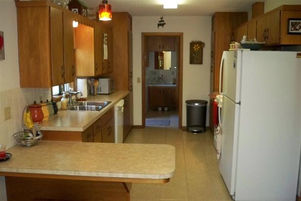 Single Family OnSite Blt, Ranch - Hesston, KS (photo 3)