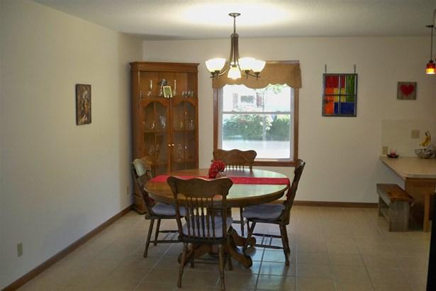 Single Family OnSite Blt, Ranch - Hesston, KS (photo 4)