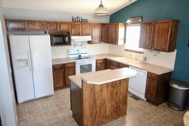 Single Family OnSite Blt, Ranch - Goddard, KS (photo 4)