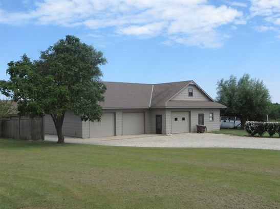 Single Family OnSite Blt, Ranch - Augusta, KS (photo 5)