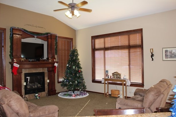 Single Family OnSite Blt, Southwestern - Wichita, KS (photo 2)