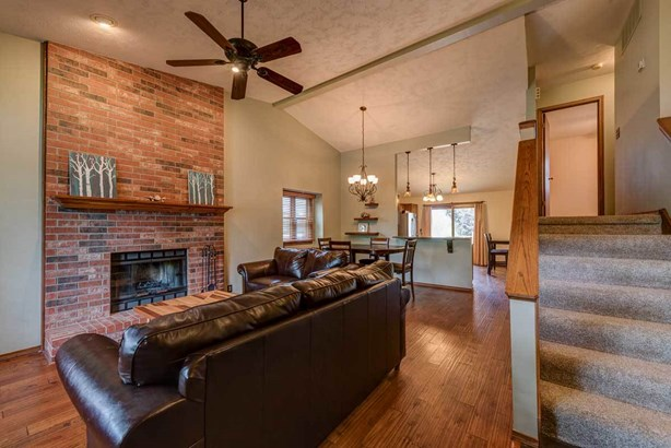 Single Family OnSite Blt, Traditional - Bel Aire, KS (photo 2)