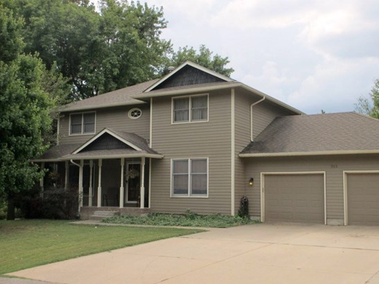Single Family OnSite Blt, Traditional - Belle Plaine, KS (photo 1)