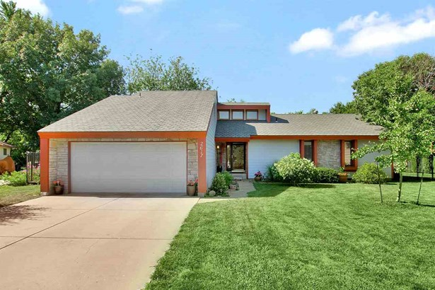 Single Family OnSite Blt, Contemporary - North Newton, KS (photo 1)
