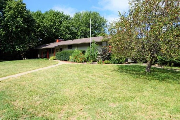 Single Family OnSite Blt, Contemporary - North Newton, KS (photo 2)