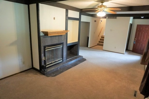Single Family OnSite Blt, Contemporary - North Newton, KS (photo 4)
