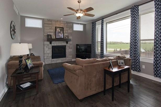 Single Family OnSite Blt, Ranch - Wichita, KS (photo 4)