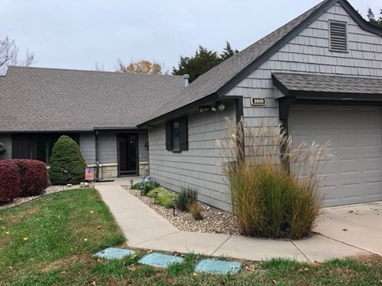 Traditional, Patio/Garden Home - Winfield, KS (photo 1)