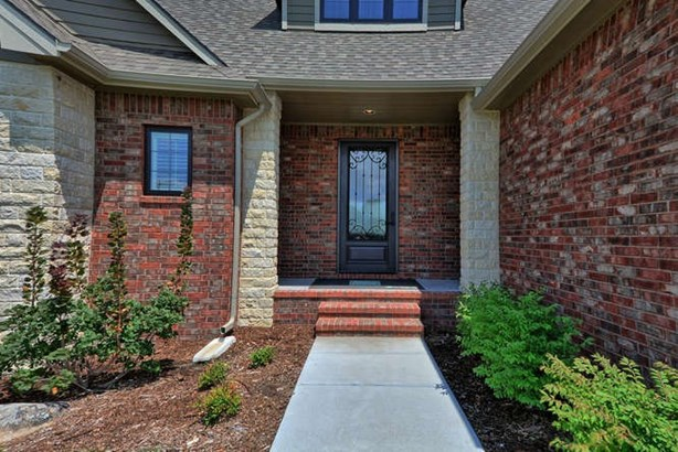 Single Family OnSite Blt, Contemporary - Bel Aire, KS (photo 4)