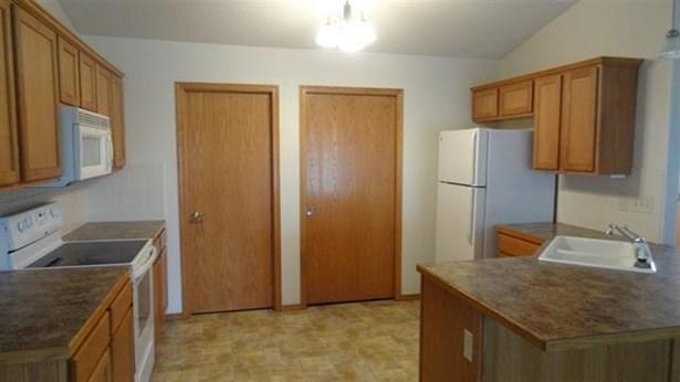 Twin/Duplex, Other - Newton, KS (photo 2)