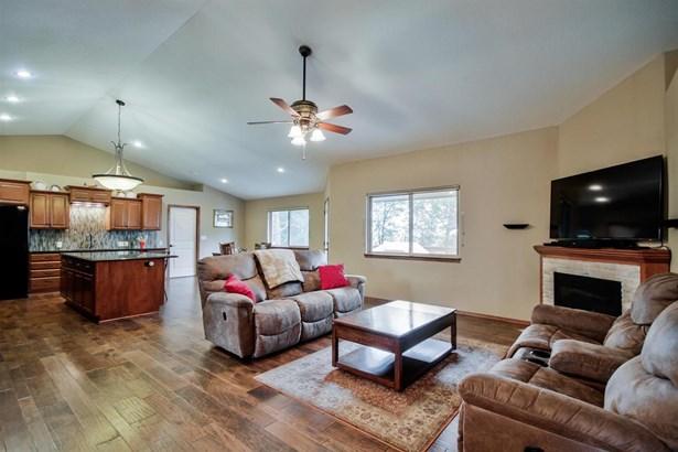 Single Family OnSite Blt, Ranch - Derby, KS (photo 3)