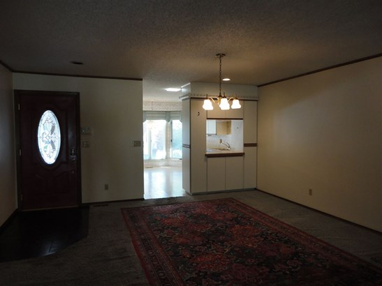 Tudor, Comm Hsing/Condo/TH/Co-Op - Wichita, KS (photo 2)