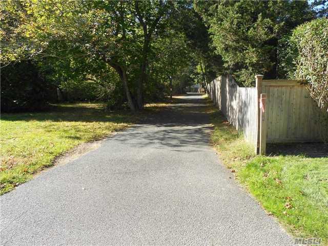 Residential, Cottage - Westhampton, NY (photo 2)