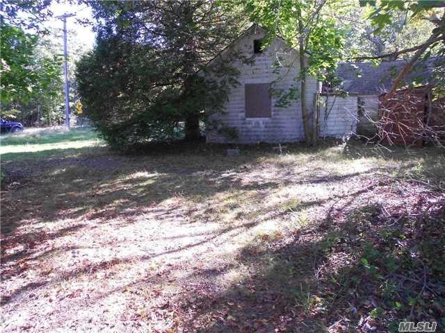 Residential, Cottage - Westhampton, NY (photo 4)