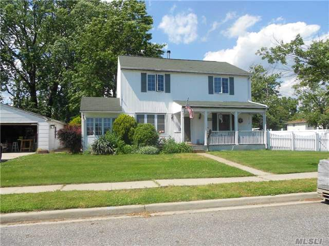 Residential, Colonial - Oceanside, NY (photo 1)