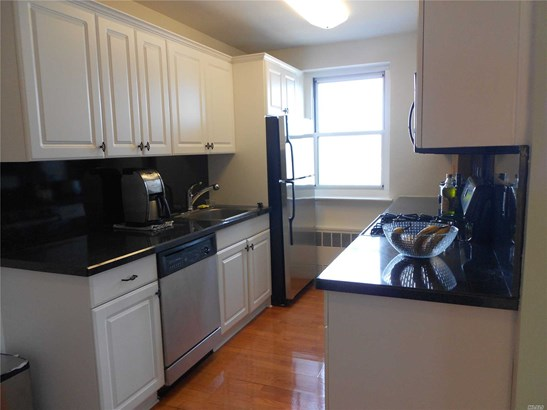 Co-Op, Residential - Long Beach, NY (photo 5)