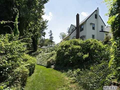 Tudor, Residential - Baldwin, NY (photo 1)