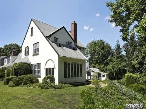 Tudor, Residential - Baldwin, NY (photo 2)
