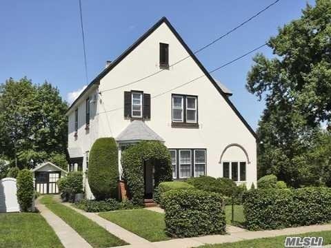 Tudor, Residential - Baldwin, NY (photo 3)