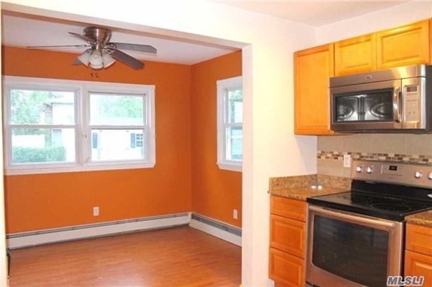 Residential, Ranch - Freeport, NY (photo 3)