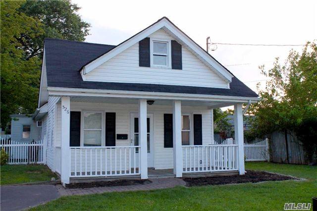 Residential, Ranch - Freeport, NY (photo 1)