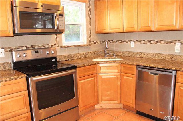 Residential, Ranch - Freeport, NY (photo 2)