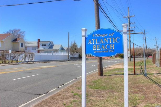 Rental Home, Colonial - Atlantic Beach, NY (photo 2)