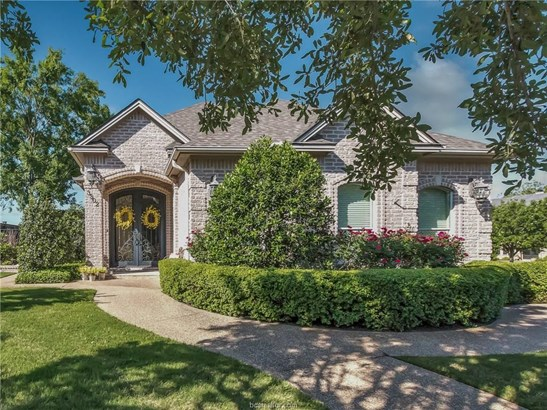 Traditional, Single Family - Bryan, TX